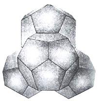 """Модель ассоциата воды из 57 молекул - """"квант"""" (тетраэдр из четырех додекаэдров)."""